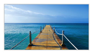 """Bildheizung """"Steg ins Meer"""" 700 Watt, 110 x 60cm, hier mit Silber-Rahmen, zum Vergrößern anklicken!"""