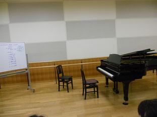連休中、ほとんどのレッスンはお休みをいただき・・何をしていたかというと、ずぅっっとピアノを弾いていました。指もピアノも悲鳴を上げていましたが、最終日は大分まで遠征。近年稀にみる素晴らしく充実したGWでした。