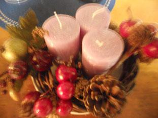 毎年恒例の手作りアドヴェントクランツは・・蝋燭の数が足りずこんな姿。。 今年も残り一カ月、走りぬこう!