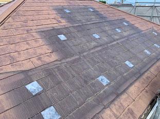 カバー工法ではこの屋根を残します