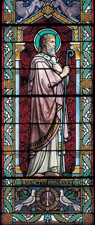 Irénée de Lyon a combattu le gnosticisme. Irénée de Lyon (v130-202) va défendre la croyance millénariste dans son Traité contre les hérésies. L'antéchrist sera investi de tout ce que le démon peut avoir de puissance.