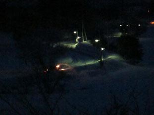 暗いうちから除雪。町は綺麗に除雪されていました
