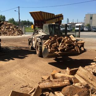 bois de chêne 18 mois 1 stère