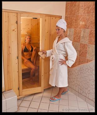 In der Infrarot-Kabine werden mehr Gifte ausgeschwitzt als in der Sauna. (© Grafvision - Fotolia.com)