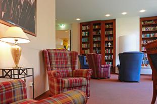 SeidenCarré Krefeld Betreutes Wohnen Kaminzimmer Bibliothek
