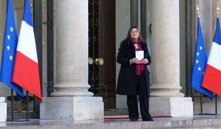 LMC France leucemie myeloide chronique palais elysee francois hollande president republique francaise livre blanc lmc remise officielle Mina Daban
