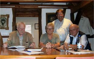 Bei der Zusammenkunft im Waldenserhäusle wurde über die Eckdaten zum Ortsfotoalbum Großvillars entschieden.