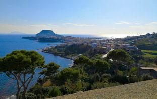 OmoGirando il Castello Aragonese di Baia
