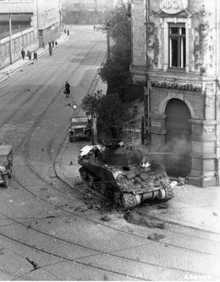 M4 brennt in Plagwitz