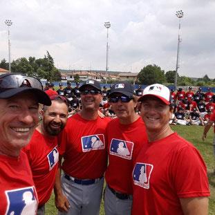 Nella foto, lo staff della Nazionale U15 al lavoro presso MLB Camp (foto dal profilo FB di Roberto Cabalisti)