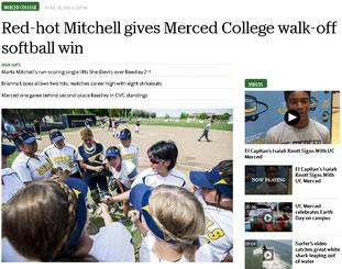 マーセッド大学ソフトボール部の活躍は地元紙でも取り上げられた。