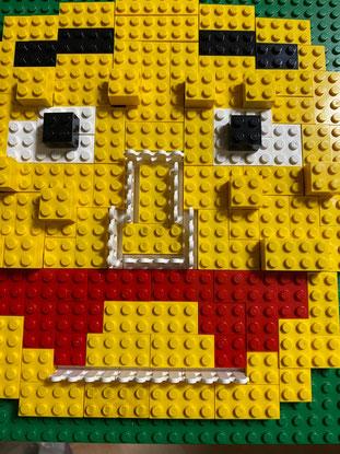 息子がブロックで作った私の顔