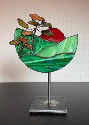 Elfe en étain avec ailes en vitrail Tiffany sur Lapis Lazuli (Vendu)