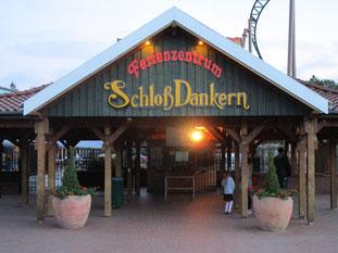 Eingang zum Ferienzentrum Schloss Dankern