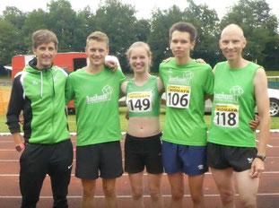 Zufriedene Läufer Simon, Felix, Sarah, Jonas und Michael