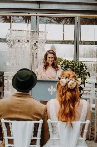 Carina Böhmer Rednerin für Freie Trauungen Hamburg Hochzeitssängerin Hamburg Freie Trauung Hochzeitsduo Hamburg Gesang und Rede für Hochzeit und Trauung | Gesangsunterricht Hamburg