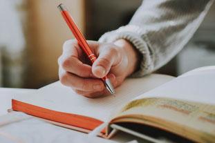 Ihr persönliches Dankbarkeits-Tagebuch sollte jeden Tag mindestens 3 neue Einträge aufweisen