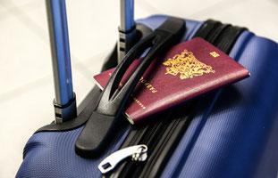 Reisevorbereitungen Koffer Malediven Maledivenurlaub Maledivenreise buchen günstig