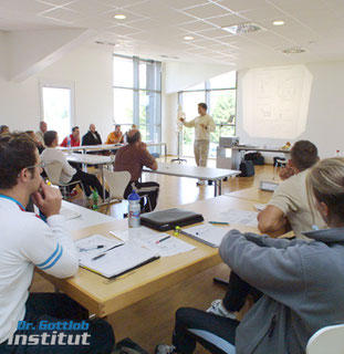 Ausbildungen für Personal Trainer, Physiotherapeuten, Fitnesstrainer, Ärzte und Leistungssportler bei Dr. Axel Gottlob