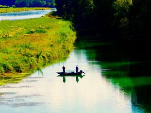 zwei Fischer hoffen auf einen guten Fang
