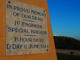 die 1. US-Pionier-Brigade griff um 6:30 bei Morgengrauen an