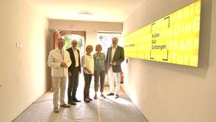 Dr. Albert Käuflein, Kulturbürgermeister Stadt Karlsruhe, Klaus Hoffmann, Geschäftsführer der KTG – Karlsruhe Tourismus GmbH,  Dr. Susanne Asche, Kulturamtsleiterin, Karen Eßrich, Ortsvorsteherin Grötzingen und Christian Lutsch, Kommunikationsdesigner.