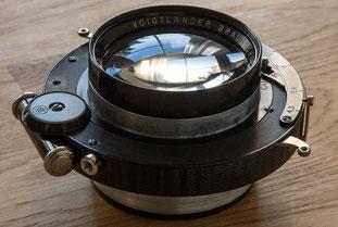 Großformatfotografie: Voigtländer Heliar 1:4.5 / 21 cm im Compound-Verschluss. Foto: bonnescape.de