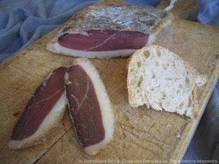 Magret de canard séché au romarin, piment d'Espelette et poivre de Sichuan