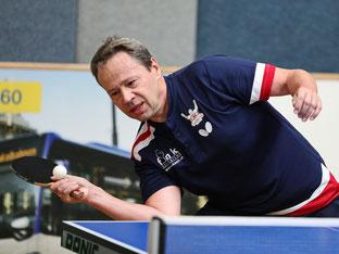 Franz Kraus-Güntner von Gumpoldskirchen hat seine Qualitäten in der langen Abwehr... Foto: Österreichische Tischtennis Bundesliga / Franz Krestan
