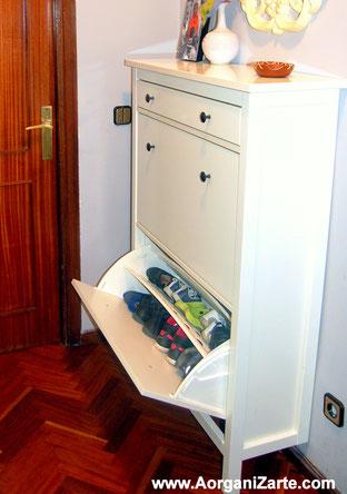 Zapatero para ordenar los zapatos al llegar a casa - www.AorganiZarte.com