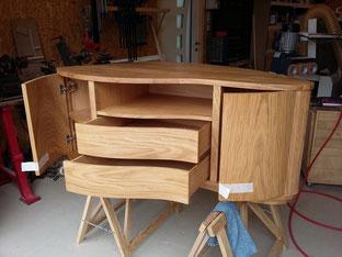 meuble tv chêne massif placage courbe ebeniste menuisier Morbihan Vannes Elven