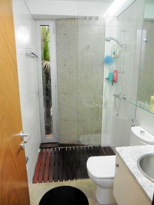 1. Badezimmer en suite