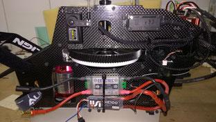Links befinden sich Telemetrie und Emcotec Schalter