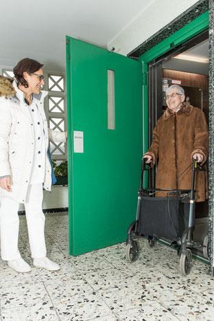 Begleitung bei Spaziergängen - Mobilität in der Grundpflege