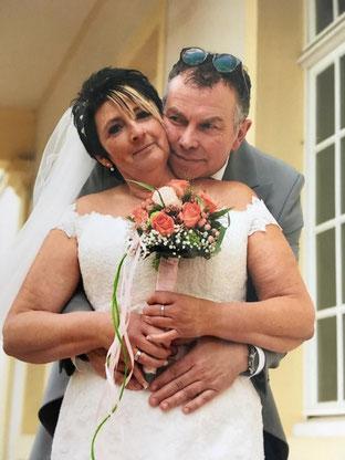 Hochzeit im Rohrbacher Schlösschen, Freie Trauung im Schloss mit Traurednerin Stella. Foto: Nina Zwaller.