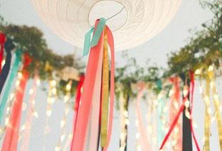 Bild: DIY Deko für die Party oder Hochzeit selber machen - finde kreative Ideen für schöne Dekoration zum selber basteln auf www.partystories.de // DIY Deko Ideen aus Stoff zum selber machen