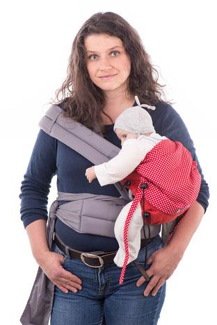 Hüftsitz mit dem Huckepack Mei Tai, Baby auf der Hüfte tragen