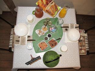 Petit-déjeuner chambres d'hôtes de Ker Holen à Saint-Lyphard