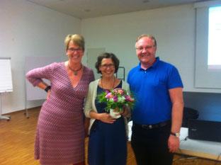 Im September 2016 wurde die 100. Kursleiterin zertifiziert. Herzlichen Glückwunsch an Sigrid Schäfer! Foto (v.l.n.r.): Marina Schmidt, Sigrid Schäfer, Georg Bollig
