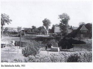 Dahmlos-Kuhle 1951 schon zT. verfüllt, heute Karl-May-Platz