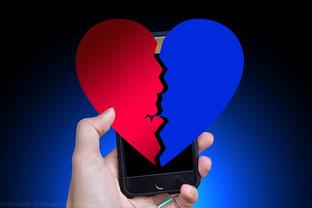 Schluss machen übers Smartphone? Besser nicht!