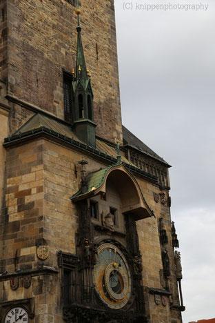 Die astronomische Aposteluhr am Rathaus schlägt zu jeder vollen Stunde.