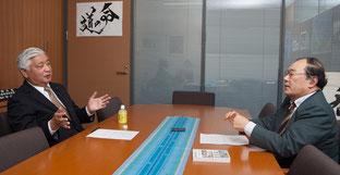 中谷 元氏(左)と塩田 潮氏