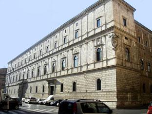 OmoGirando Palazzo della Cancelleria