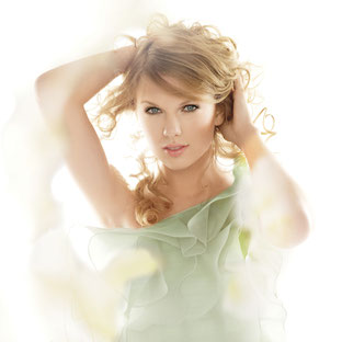 Taylor Swift for CoverGirl (2010)