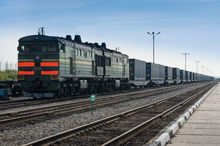 Rolling through Kazakhstan – container train China to Europe