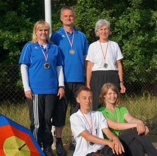 LM 144er Runde gut gemeistert: Gabi, Klaus, Tim, Christa und Lydia (v.l.)