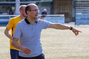SFB-Trainer Salah El Halimi erwartet eine enge Kiste in Kray (Foto: Deutzmann)