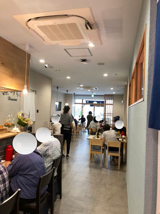 レストラン「魚めし」の店内です。