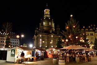 Weihnachtsmarkt auf dem Neumarkt
